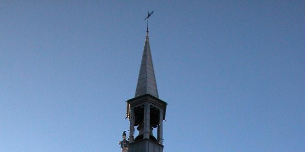 15 décembre 1793 - On enlève la fleur de lys de la flèche de la tour Jacquemart