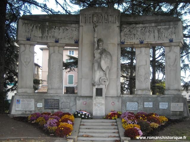 Romans sur is re le monument aux morts de la place du champ de mars - Office du tourisme romans sur isere ...