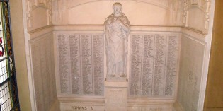Erreurs d'inscription sur la plaque commémorative de l'hôtel de ville de Romans-sur-Isère