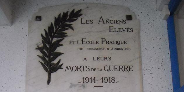 La plaque commémorative du lycée du Dauphiné