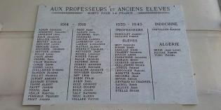 Erreurs d'inscription sur la plaque commémorative du lycée Triboulet à Romans-sur-Isère