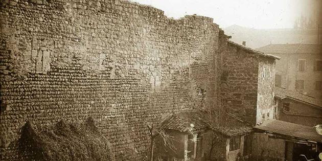 10 avril 1831 - Le Conseil municipal décide la démolition des remparts