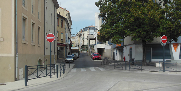La rue et la place Sabaton