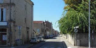 La rue et le lycée Bouvet