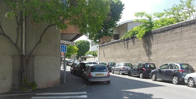 La rue Mandrin