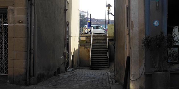 La rue Port Rivail