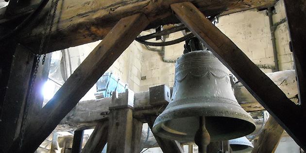 10 avril 1563 - Mise en sûreté des cloches des églises de la ville