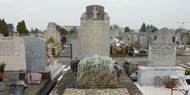 La tombe de Robert Viguier