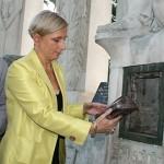 Ouverture du reliquaire du Monument aux Morts
